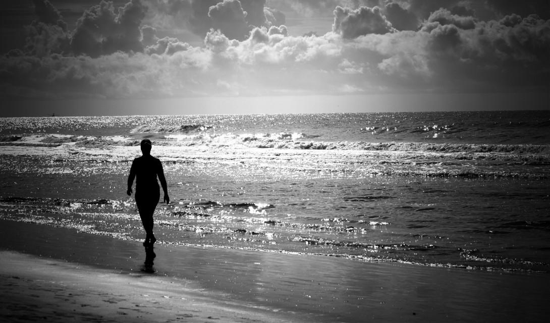 #freetoedit #blackandwhite #beach #people #ruleofthirds #sky #horizon #vingette #depth