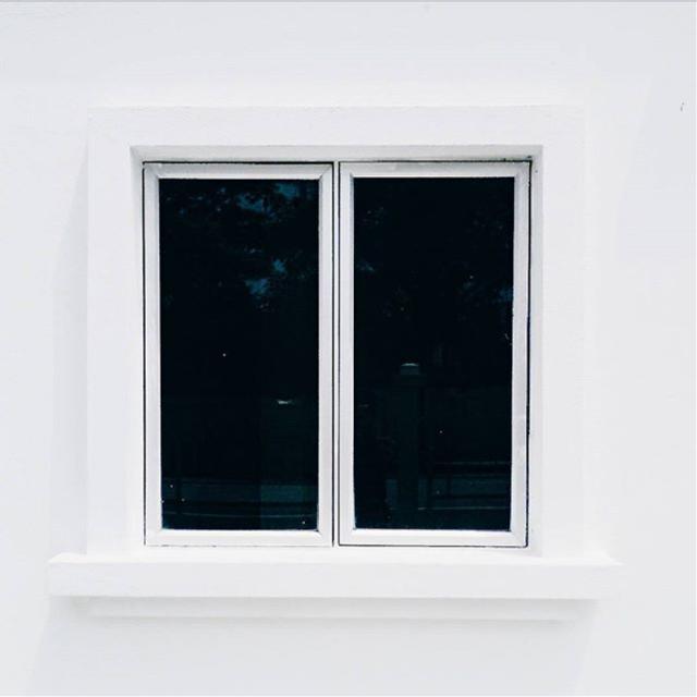 #window #white #hips