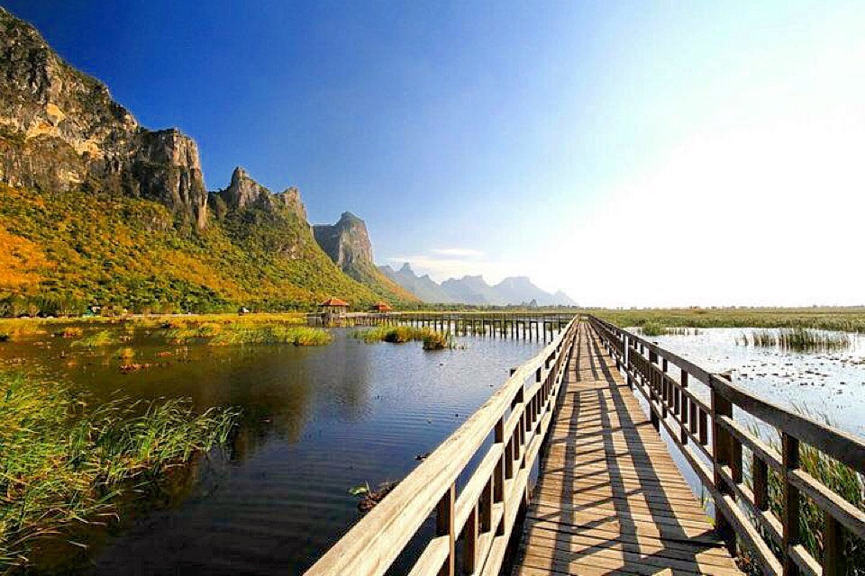 The Sam Roi Yod National Park , Prachuabkirikan , Thailand