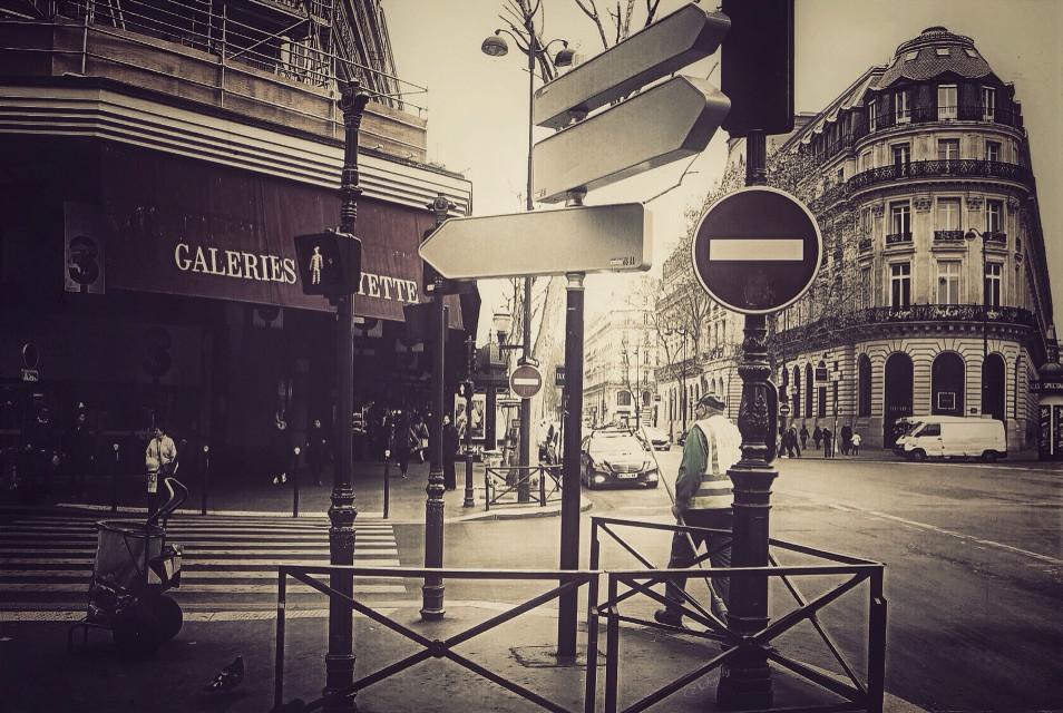 #urban #architecture #vintage #streetphotography #emotion