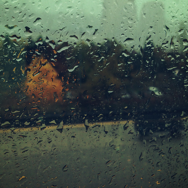 While on my way to downtown #throughmywindow #rain #cold #weekend