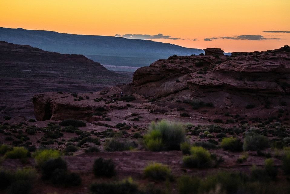 A sunset invthe desert. #colorful #nature #photography #travel