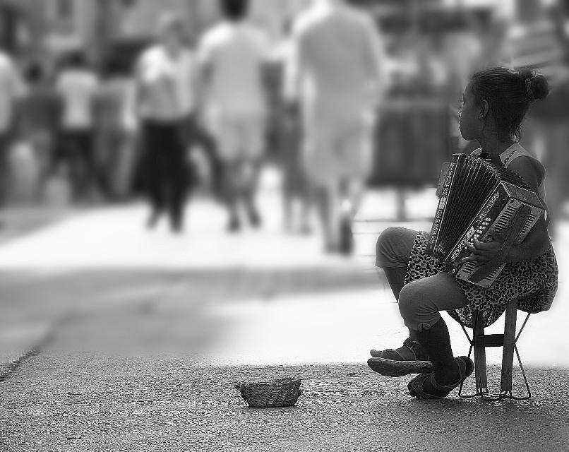#people #istanbul #turkey #streetphotography #music