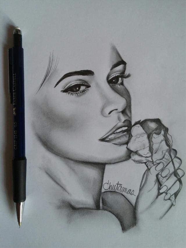#drawing   #blackandwhite #lightandshading   #pencilart   #sketchbook  #woman&icecream🍦