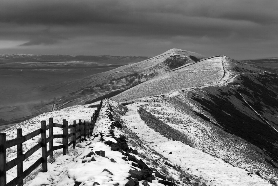 An overcast morning on the slopes of Mam Tor #photography #landscape #landscapephotography #picsart #snowscape #snow #contrast #monochrome #blackandwhite #peakdistrict #derbyshire #england