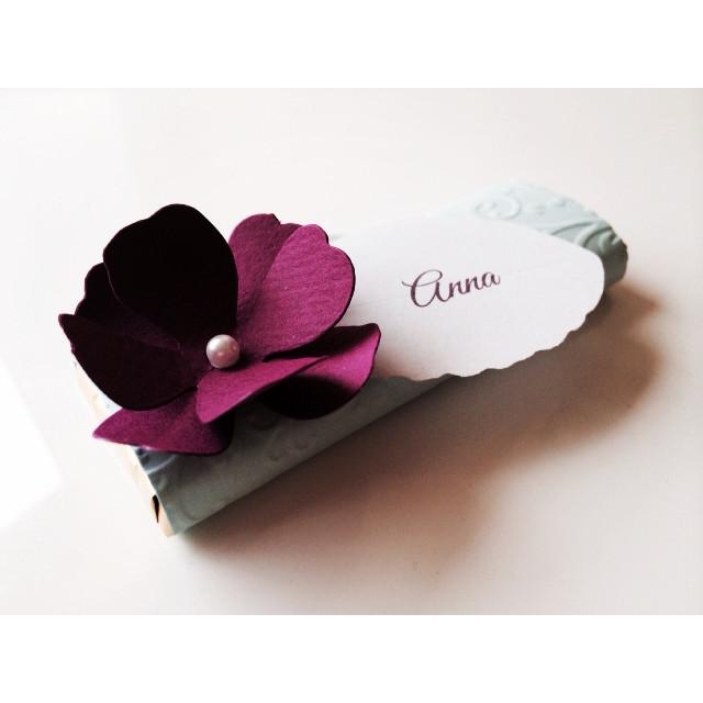 Chocolate place card #chocolates #wedding #placecards #uniquefavorideas #paperartist.eu #kohakaardid #shokolaad #pulmad #свадьба #рассадочниекарточки #именные #pulmakutsed.com