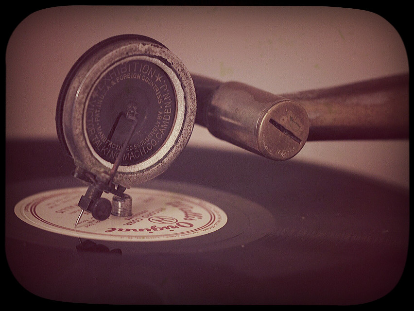 #vintageeffect #phonograph #record #music #vintagefinds #featured