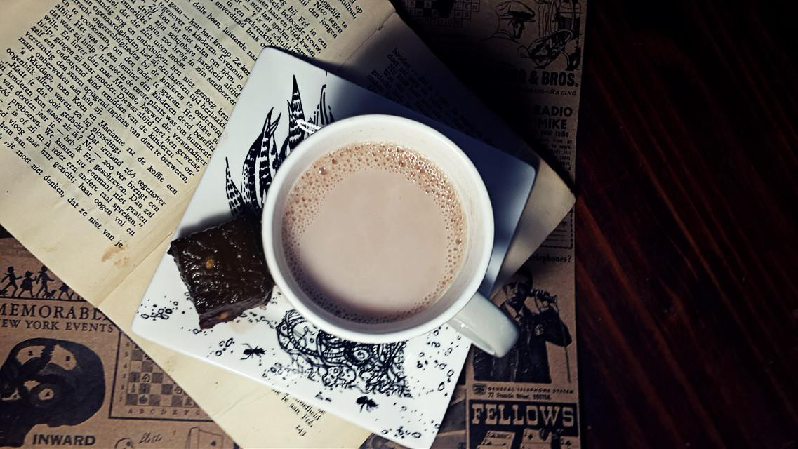#beverages  #chocolatefudge  #books #somethingsweet  #hot  #hotchoco  #mug  #winter  #vibes