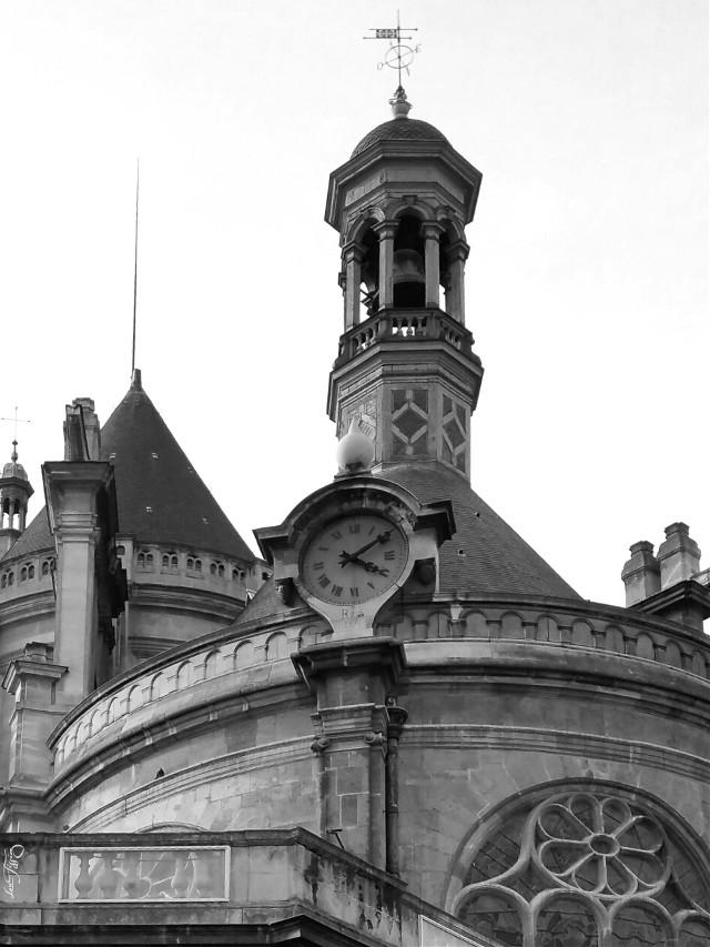 The church of St Eustace,  Paris,Gothic architecture, built between 1532 and 1632  #clock #architecture #blackandwhite #church #gothic #paris #parisbyLou