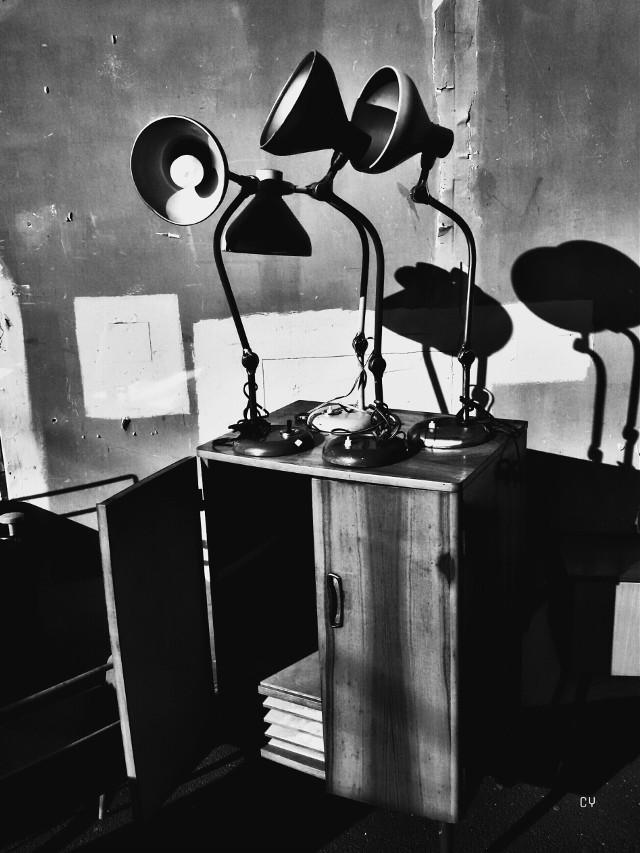 Puces de Saint-Ouen #lights #shadows #blackandwhite