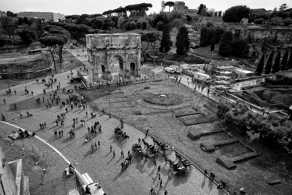 Rome. Black&white. #rome #ancient #museum #history #colosseum #street #cityscape